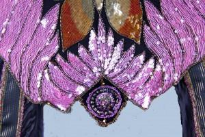 Center front fill-in medallion